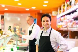 starta eget företag genom att anställa eller samarbeta