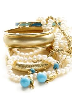 Sälj accessoarer och bli ägare av en butik där du säljer accessoarer